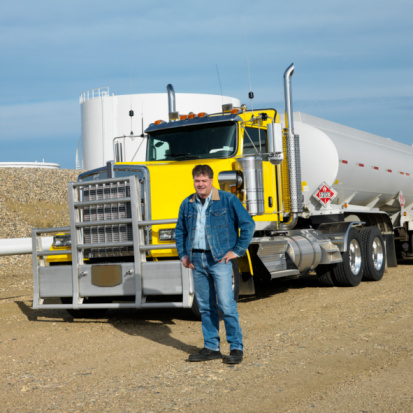 Benefits of Getting a Truck Driving License
