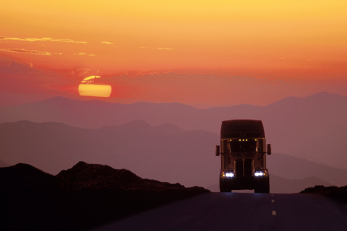 The Benefits of a Career in Truck Driving
