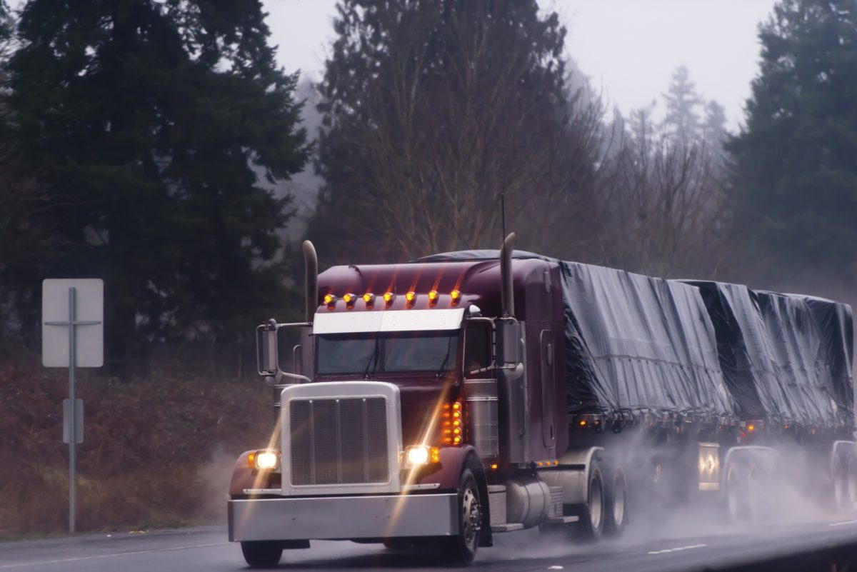 What New Truckers Need to Know About Severe Weather Driving