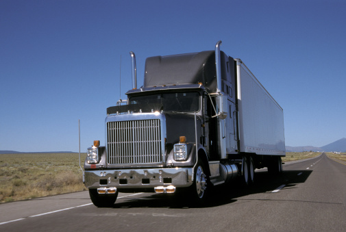 Should You Buy or Lease Your First Commercial Truck?